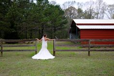 This is truly a charming farm wedding photo by Elizabeth Looney Photography! Click the image to learn more!