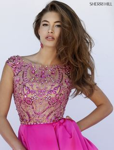 Sherri Hill dresses are designer gowns for television and film stars. Find out why her prom dresses and couture dresses are the choice of young Hollywood. Event Dresses, Pageant Dresses, Homecoming Dresses, Black Evening Dresses, Evening Gowns, Vestido Fuscia, Beautiful Gowns, Beautiful Outfits, Matric Dance Dresses