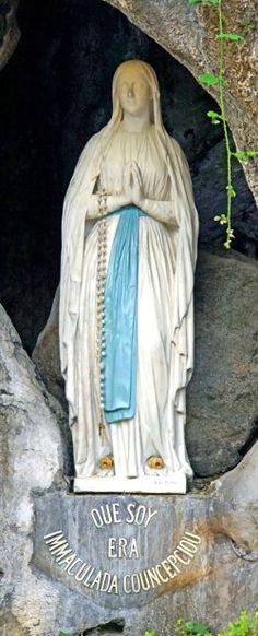 ¿Por qué en Fátima, en las apariciones a los tres pastorcitos, la Virgen apareció descalza? En Lourdes también apareció sin zapatos o sandalias.