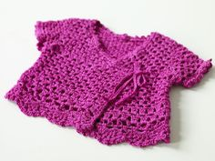 Lion Brand Yarn has over free knitting and crochet patterns of various colors, sizes and project types. Each one uses Lion Brand yarns and ranges from beginner to expert skill level. Pull Crochet, Crochet Girls, Crochet For Kids, Free Crochet, Knit Crochet, Ravelry Crochet, Cardigan Au Crochet, Crochet Baby Sweaters, Crochet Baby Clothes
