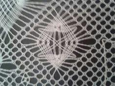 Araña   Realizada por Rosa Berges . Es un diseño de Hildegard Glos