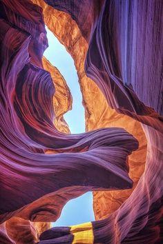 美國亞利桑那州 光之隧道 羚羊峽谷