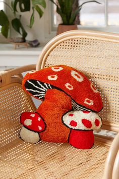 Embroidery Designs, Mushroom Decor, Mushroom Stool, Mushroom Crafts, Tapis Design, Decoration Design, Home Decoration, Aesthetic Room Decor, Urban Outfitters