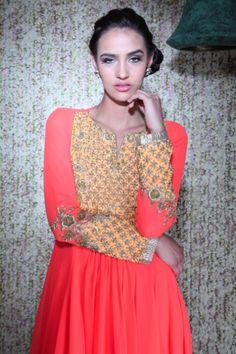 Ohaila Khan presents a beautiful new collection of ethnic wear. Shop now: www.perniaspopupshop.com. #ohailakhan #clothing #ethnic #shopnow #perniaspopupshop #happyshopping