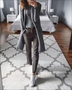 ✔ Office Look Women Professional Attire Business Outfits Women, Office Outfits Women, Mode Outfits, Business Fashion, Work Attire Women, Teenager Outfits, Office Fashion, Chic Outfits, Simple Work Outfits