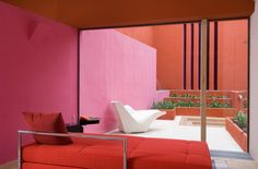 Pantone has announced its color of the year is Living Coral; here are the home goods that will bring a pop of the year-defining shade into your life before it's everywhere. Exterior Stairs, Interior And Exterior, Interior Doors, Contemporary Plays, Romantic Room, Live Coral, Coral Pink, Rosa Coral, Hotel Interiors