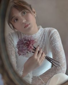 Kathryn for MET #kathrynbernardo #danielpadilla #kathniel #KathNielEndorsement © Kathryn Bernardo Photoshoot, Kathryn Bernardo Outfits, Daniel Padilla, Jadine, Photoshoot Inspiration, Celebs, Celebrities, Aesthetic Wallpapers, Flower Girl Dresses