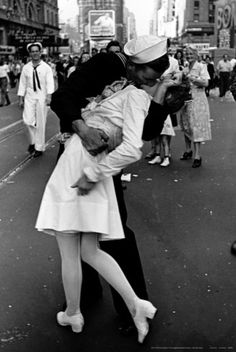 One of my most fave pics ever! Shot by Alfred Eisenstaedt in Times Square on August 14, 1945, shortly after the announcement by President Truman that Japan has surrendered, bka, VJ or VP Day. It is one of the most famous photographs ever published by Life.
