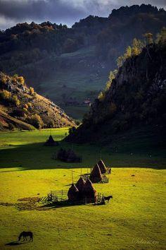 Doar Eu' - Google+  Fundătura Ponorului - Munţii Şureanu Beautiful Places To Visit, Wonderful Places, Beautiful World, Places To Travel, Places To See, Visit Romania, Turism Romania, Romania Travel, Culture Travel