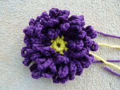 crochet flower center for a crochet square 28, crochetbug, 101 crochet squares, jean leinahsuer, crochet chain loops