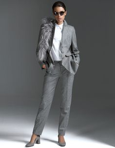 Top quality, Italian fabric made of new wool and cashmere in stylish and classic herringbone pattern. Flattering and semi-fitted stylish blazer in longer length that has been exquisitely and intricately finished with a lapel collar, piped flap pockets and buttoned sleeve slits. Meticulous inside finish with toning lining and contrasting piping. #MADELEINEfashion #MADELEINE #Fashion #AW16 #Blazer