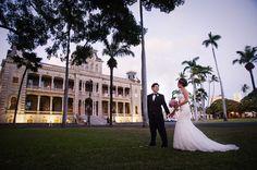 'Iolani Palace Ceremony { Real Wedding } - Modern Weddings Hawaii : Bridal Inspiration