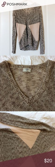 Madewell Fishnet Sweater From Madewell's house lines, Wallace. Oversized sweater that's perfect for layering. Great transitional piece for summer/fall. Has a thread that's pulled on the right sleeve. Price has been lowered to reflect this. Marked as M. Madewell Sweaters V-Necks