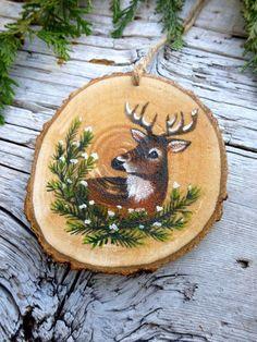 decorate a christmas tree Sphen Deer II: Rustikale Tree Ornament Painted Ornaments, Wooden Ornaments, Xmas Ornaments, Christmas Decorations, Deer Ornament, Wood Slice Crafts, Wood Burning Crafts, Noel Christmas, Rustic Christmas