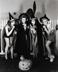 Vintage Halloween pin up babes