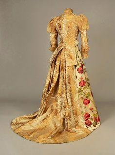 LOT 402 RE-STYLED SILK FLORAL BROCADE GOWN, 1893 - whitakerauction