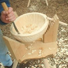 "Robin Wood: how to carve wooden bowls. Robin is also Chair of the Heritage Crafts Association and will be hosting our craft conference ""Manifesto for Making"" at the V this March, 2013: http://www.heritagecrafts.org.uk/index.php/upcoming-events"