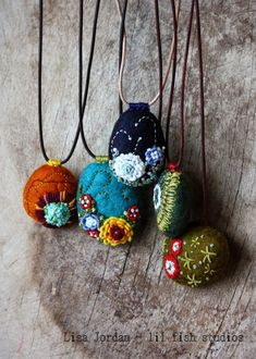 stitched stone necklace by Lisa Jordan of lil fish studios folk art folk lore gypsy style necklace felt pendants cute gifts for mum or friends Fiber Art Jewelry, Textile Jewelry, Fabric Jewelry, Jewelry Art, Beaded Jewelry, Handmade Jewelry, Jewellery, Jewelry Rings, Jewelry Design