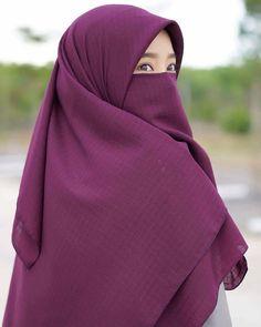 Hijab Niqab, Muslim Hijab, Hijab Outfit, Arab Girls Hijab, Muslim Girls, Beautiful Muslim Women, Beautiful Hijab, Hijabi Girl, Girl Hijab