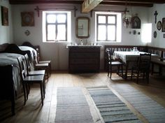Romanian peasant homes use textiles for everything. And every woman knows what to do with wool. Cottage Interiors, Cottage Homes, Creative Kids Rooms, Republic Of Macedonia, Country Interior, Hearth And Home, Love Home, Cozy Living Rooms, Do It Yourself Home