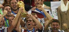 Vorbild Lahm : Alle Weltmeister treten aus Nationalelf zurück - Nachrichten Satire - DIE WELT