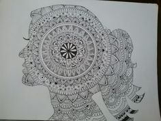 Zentangle Art en una silueta de mujer