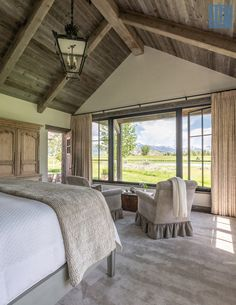 50 Breathtaking Rustic Ranch House Tucked Into the Beartooth Mountains – rustic home interior Rustic Home Interiors, Rustic Home Design, Rustic Homes, Barn House Interiors, Rustic Lake Houses, Modern Design, Home Bedroom, Bedroom Decor, Bedroom Ideas