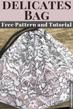 Here's how to make a lingerie bag in which to wash delicate or easily damaged items. Check the lingerie bag free sewing tutorial here. Easy Sewing Projects, Sewing Tutorials, Tutorial Sewing, Quilting Projects, Herringbone Quilt, Quilting For Beginners, Beginner Quilting, Sewing Patterns Free, Free Pattern