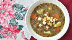 Není nad poctivou domácí polévku – mezi ty nej se řadí, alespoň podle nás, rozhodně čočková! Oatmeal, Beans, Vegetables, Breakfast, Soups, Recipes, Food, The Oatmeal, Morning Coffee