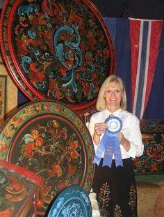 Browse the rosemaling artwork portfolio of professional rosemaler Teresa McCue Scandinavian Paintings, Rosemaling Pattern, Norwegian Style, Norwegian Rosemaling, Russian Painting, Tole Painting, Art Portfolio, Painted Furniture, Folk Art