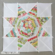 Take a fresh look at how you've been making star quilts with something more unconventional, the Outlined Star Block. You'll use a paper piecing pattern to create gorgeous new star quilt block patterns that show off your skill with their detailing. Star Quilt Blocks, Star Quilt Patterns, Star Quilts, Mini Quilts, Scrap Quilt, Patchwork Quilt, Patchwork Cushion, Quilting Tutorials, Quilting Projects