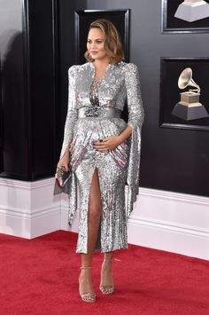 Chrissy Teigen wearing Yanina Couture - Every Single Look From the 2018 Grammys Red Carpet Maternity Dresses, Maternity Fashion, Pregnancy Fashion, Maternity Wear, Best Dressed Grammys, Celebrity Red Carpet, Celebrity Style, Celebrity Jewelry, Chrissy Teigen Dress
