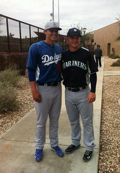 Corey and Kyle Seager my two favorite seager boys there the cutest but justin is to Old Baseball Cards, Baseball Guys, Better Baseball, Dodgers Baseball, Dodgers Girl, Dodgers Fan, Mariners Baseball, Seattle Mariners, Mlb Players