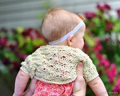 Free crochet pattern and step-by-step photo tutorial for this sweet vintage-style shrug! Adaptable to any size, from baby through adult. ✿⊱╮Teresa Restegui http://www.pinterest.com/teretegui/✿⊱╮