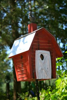 Yard Envy is asking $110.00 for this birdhouse....I think I will make it instead!