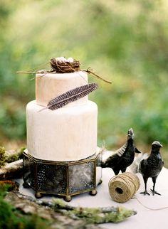 Whimsical. #wedding #green #cake