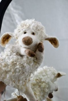 Bure bure veltiniai. Felted wool Aren't you sweet. I need to make one for me.