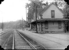 Train Station, Pewee Valley, Louisville, Ky., 1900