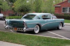 1957 Buick Roadmaster hardtop coupe                                                                                                                                                                                 Más