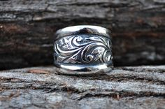 Engraved silver cigar band