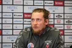 """Handball-Bundesliga: der HC Erlangen ist wieder erstklassig. (Foto: hl-studios, Erlangen): HC Erlangen - Torwart Mario Huhnstock bei der heutigen """"Aufstiegs-Pressekonferenz"""". www.hc-erlangen.de #hbl #erlangen #hce #handball #hlstudios #einteameinziel #wirkommenwieder"""