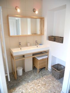 Salle de bains : 11 revêtements de sol hyperlookés | Bathroom ...