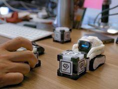 Cozmo, diminuto robot con inteligencia artificial, ahora más potente http://j.mp/29NwXi1 #VidaDigital #Robotics