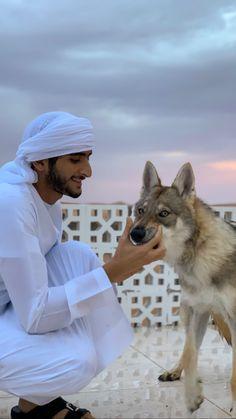 Maktoum bin Marwan bin Mohammed Al Maktoum, Vía: maaktoum