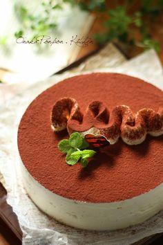 クリームチーズとサワークリームで作るティラミスのケーキ♡ ふわふわ濃厚チーズクリームにコーヒー♡ これはかなりうまい♡