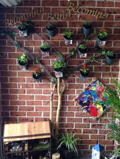 Belonging tree - Now this is absolutely gorgeous!!! If you do this as a follow on from this weeks playgroup please invite me over to see it :)