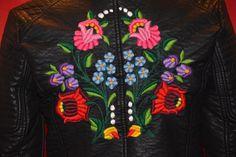 Kézzel hímzett motoros textilbőr dzseki
