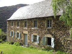 Montézic, Nord Aveyron, 1 H Rodez (12)