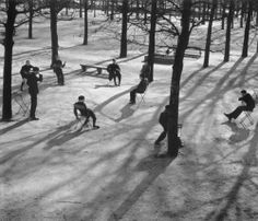 André Kertész, Tulieres gardens, Paris, 1928
