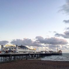 A brisk winter walk along the Brighton sea front after ice skating! Such a lovely day with @viviannamakeup @markonewton @richgarnham